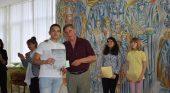 Директорът награди изявените славейковци